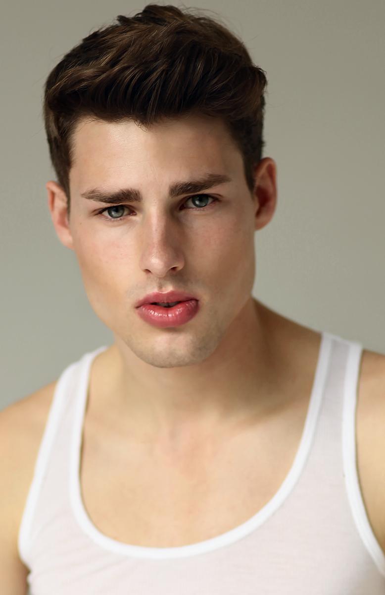 beauty-face-lips-man