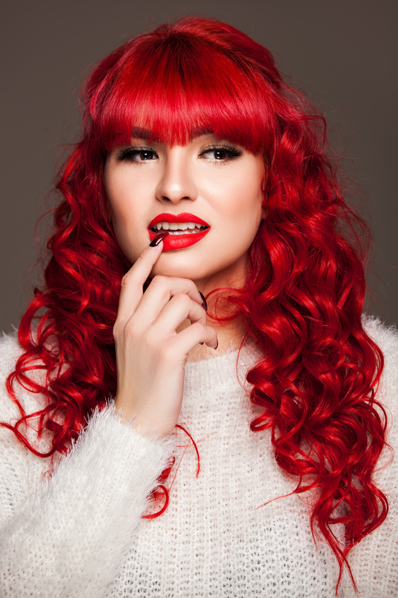 lady-in-red-beauty-aufnahme-studio
